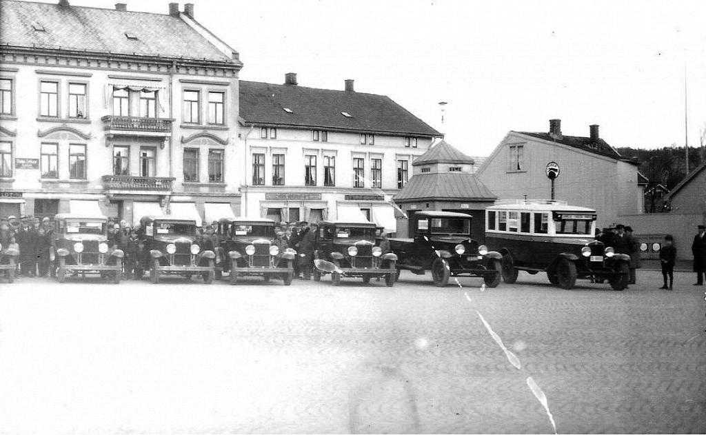 Bilde av Bilutstilling på Torget