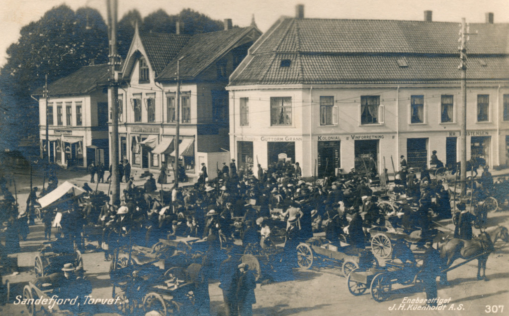Bilde av Torghandel i gamle dager - Torget 5