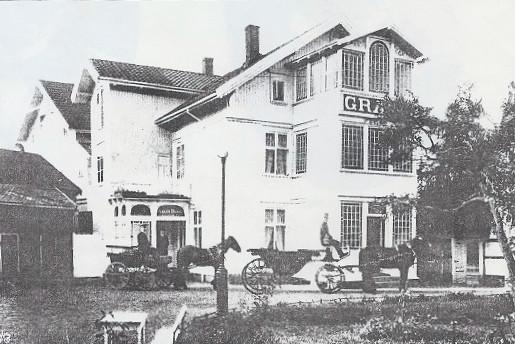 Bilde av Fasaden mot parken.