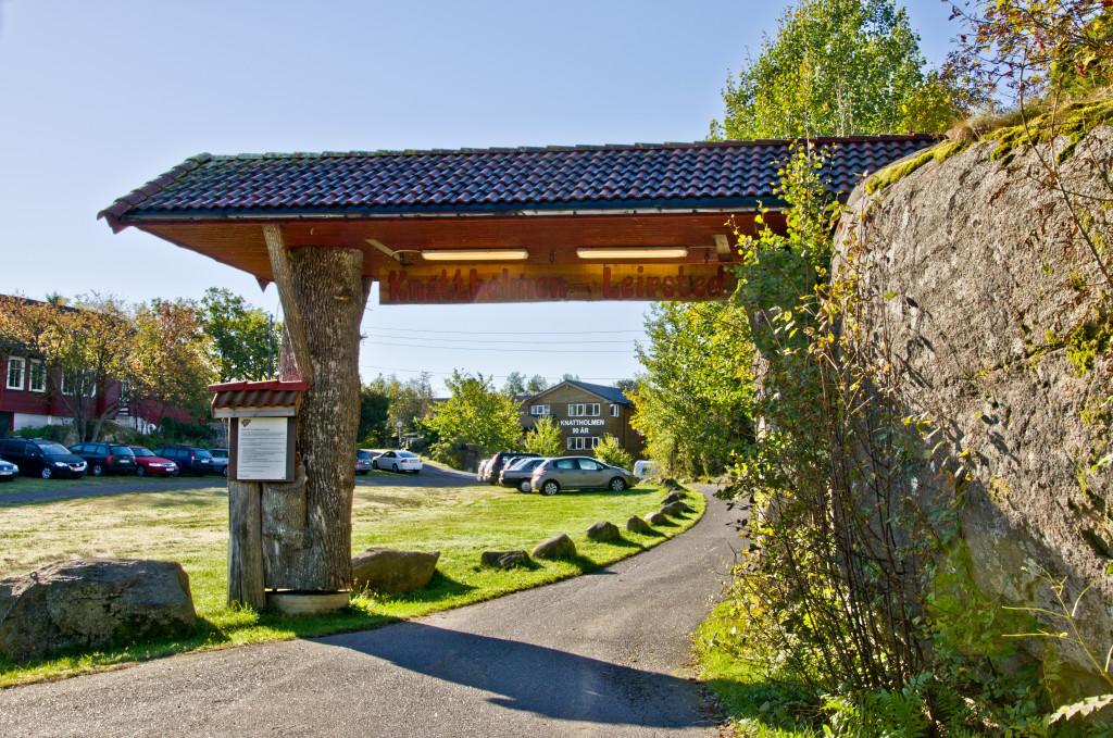 Bilde av Inngangsportalen til leirstedet.