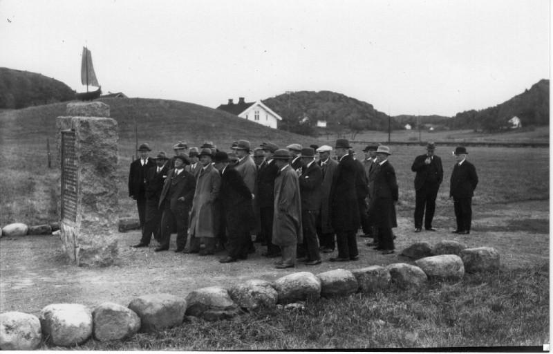 Bilde av Herrebesøk ved Minnesmerke.