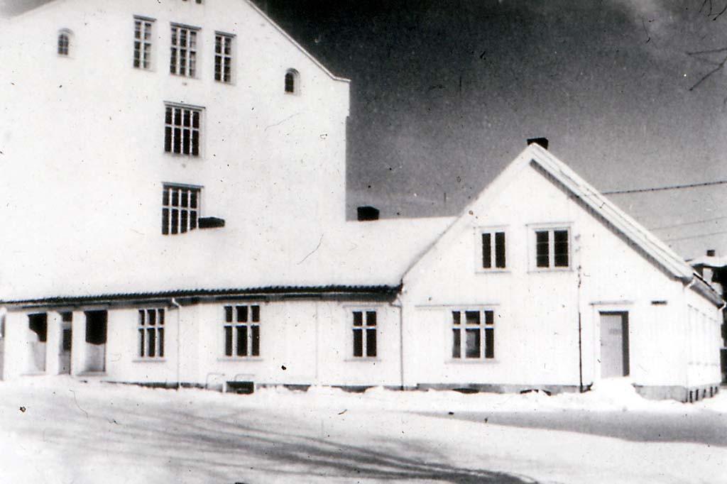 Bilde av Byskolen ca. 1925