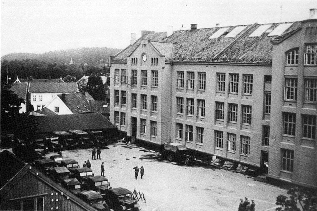 Bilde av Byskolen 1940
