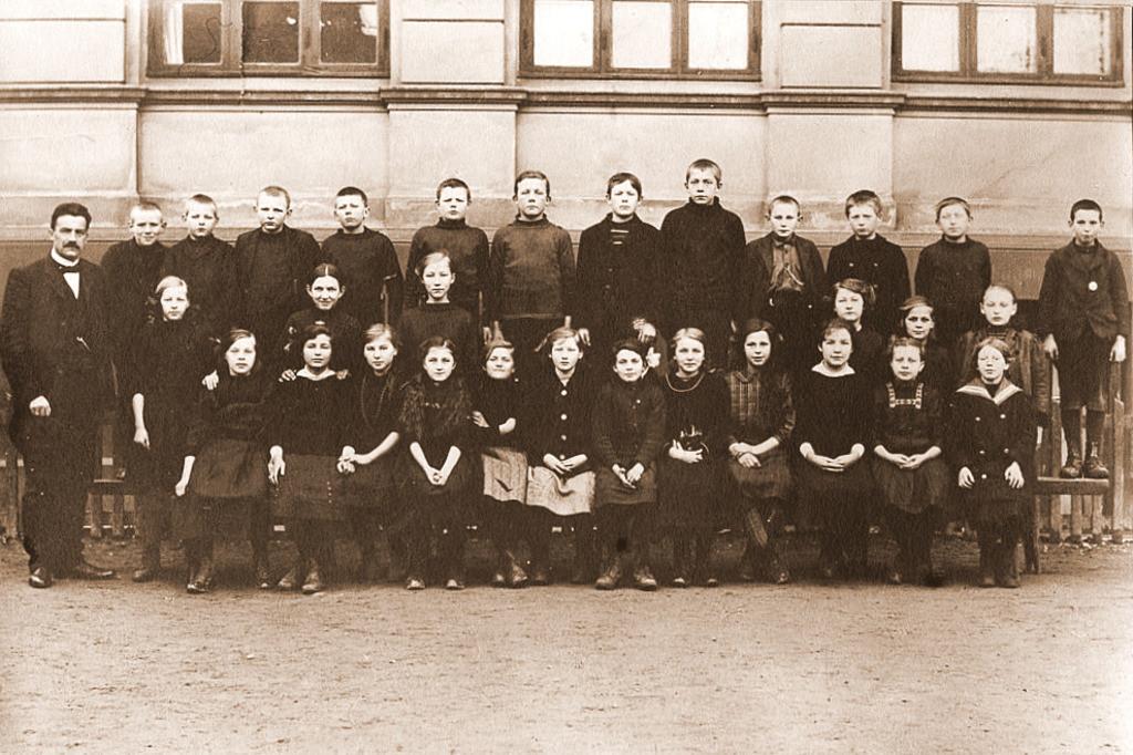 Bilde av Gammelt klassebilde fra Byskolen