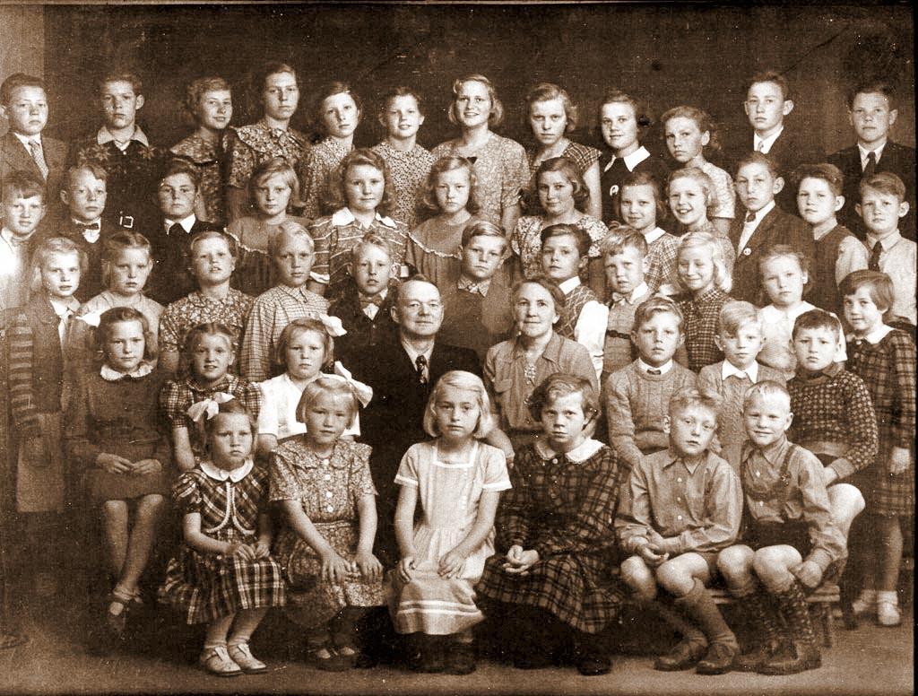 Bilde av From skole 1950/51.