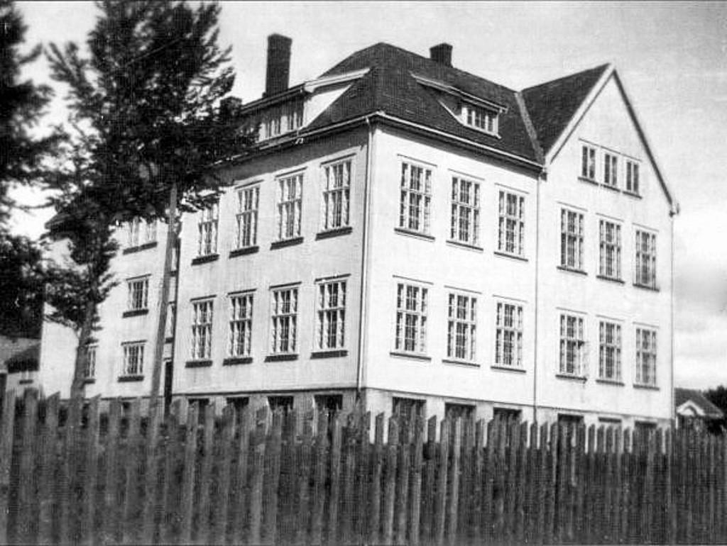 Bilde av Haukerød skole fra 1918