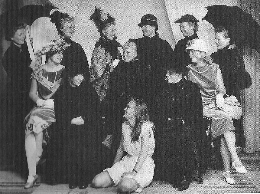 Bilde av Kjole- og draktavd. fra 60-årene
