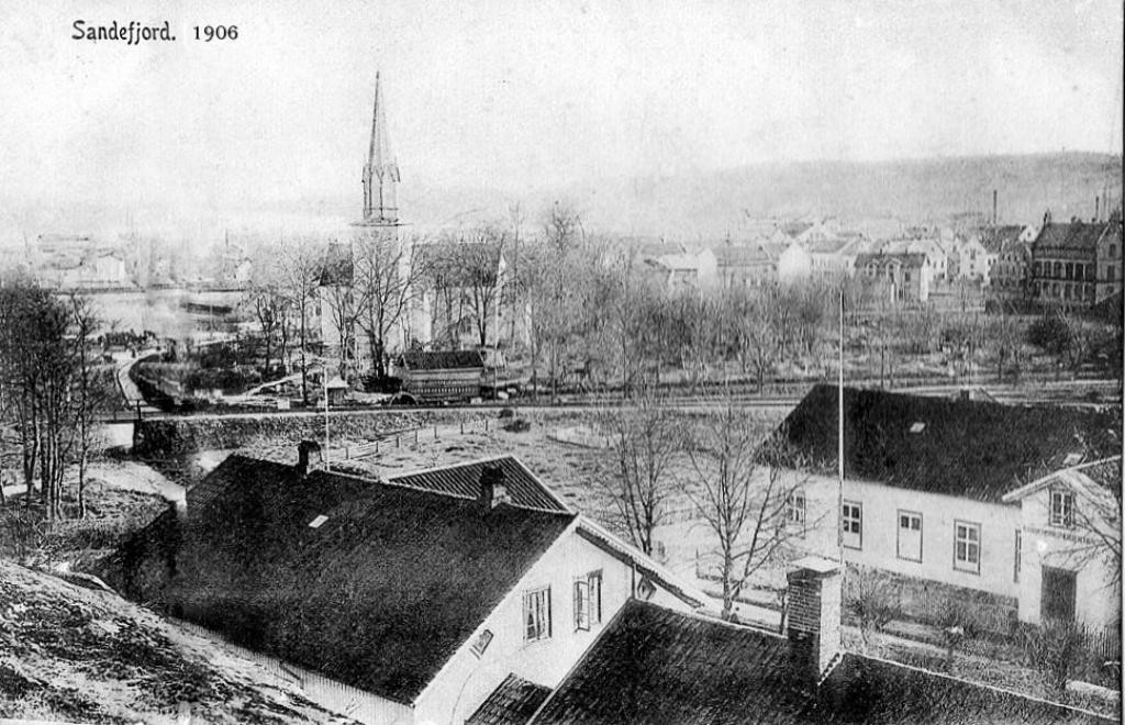 Bilde av Sande skole  fra 1867.
