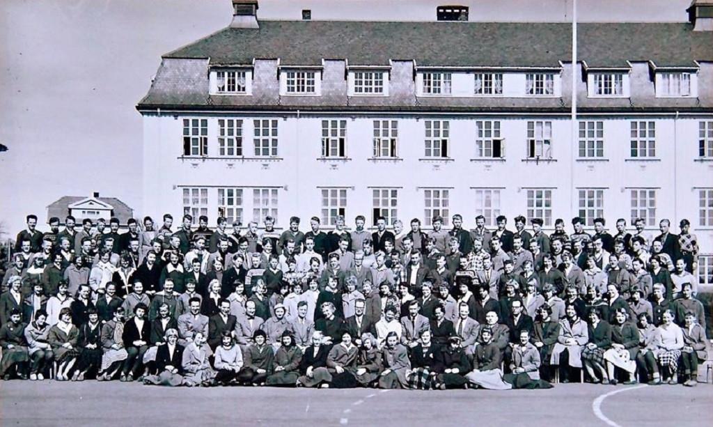 Bilde av Sande Skole - Framhald-skolen. Klasse 1957 -1958