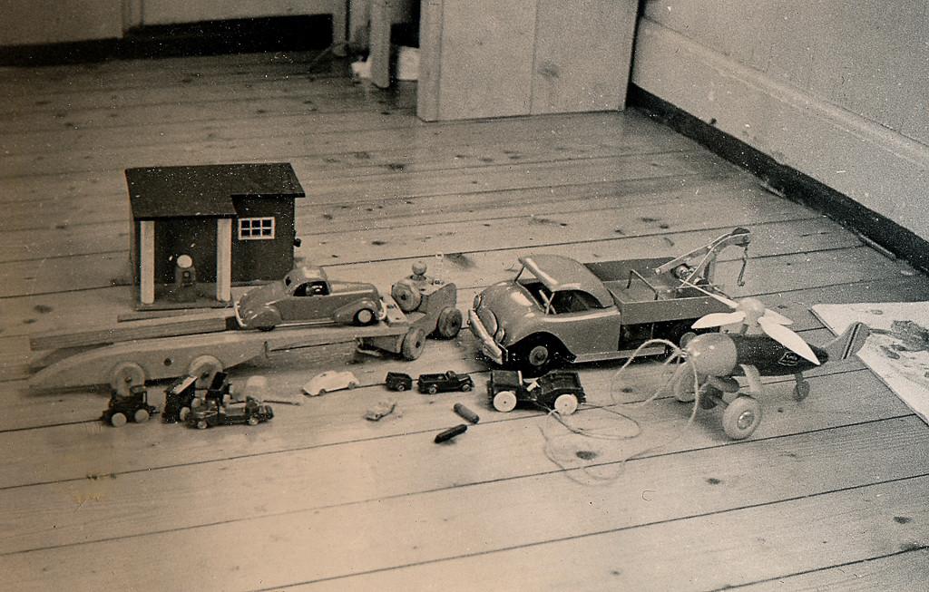 Bilde av Gutteleker fra 1950-tallet
