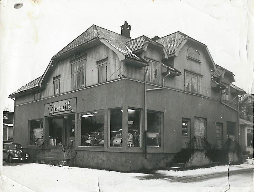 Bilde av Øivind Bjørviks butikk - en assortert bydelsbutikk