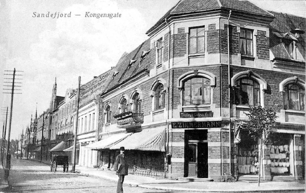 Bilde av Hjørnet Kongens gate  5 og Jernbanealleen