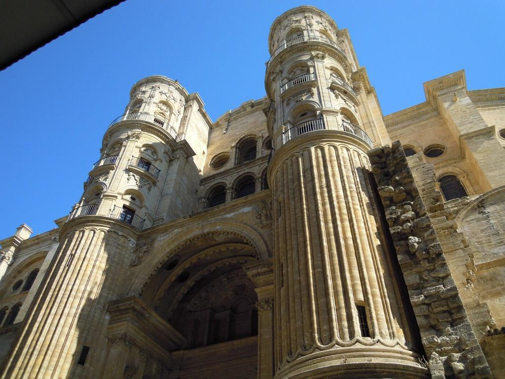 Bilde av Malagas hvite Katedral.