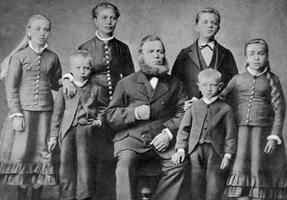 Bilde av Familien Skaara